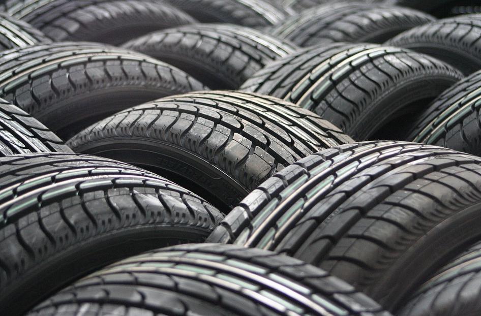 Reynasa almacén de Neumáticos